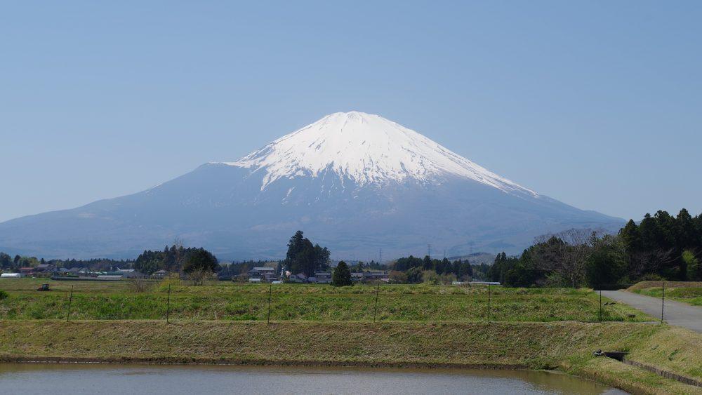 山姿の美しさから、昔から女神の化身とも考えられてきた富士山