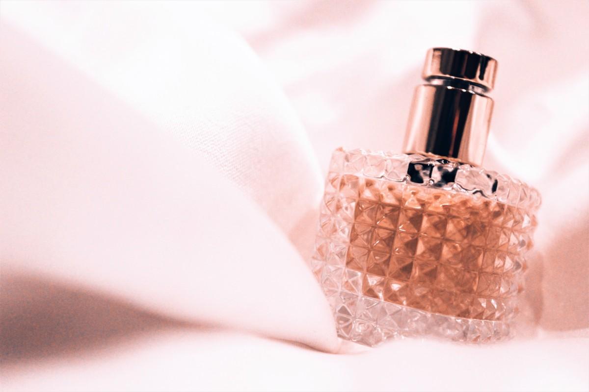香水の種類を知って、おしゃれに香りを使いこなそう
