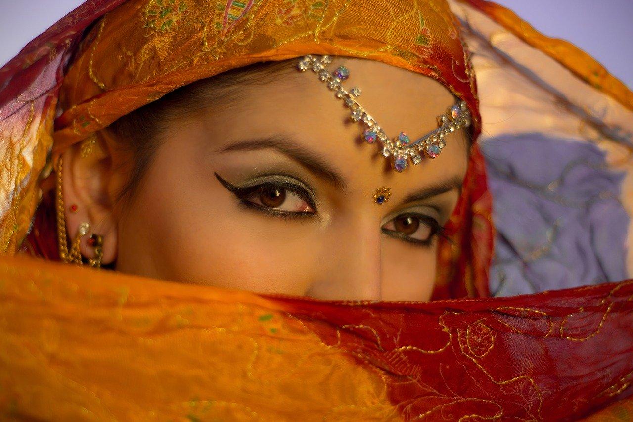 オリエンタルノート・ミステリアスな女性のイメージ
