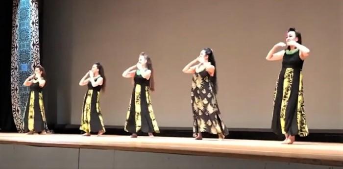 プアラサナ フラダンス