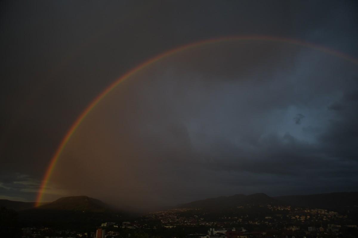 夜の虹 ハワイ